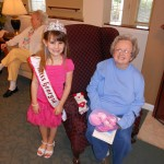 Samantha Wethal volunteering at nursing home