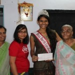 Shivali donating 5001 Rupees.  Received from her Grandpa (Sponsor) for JagvandanaBalmandir