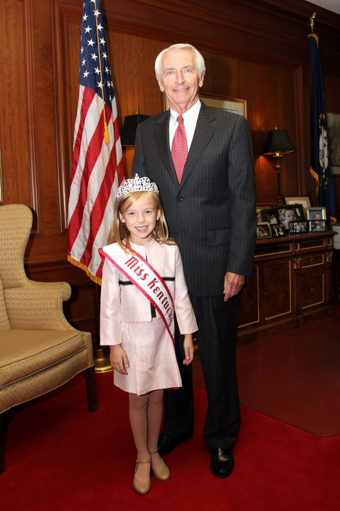 Alexis Blakely Wise meeting Governor Steve Beshear
