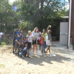 logan_namiss_jrteen_city_life_shovel_pose_with_kids (2)
