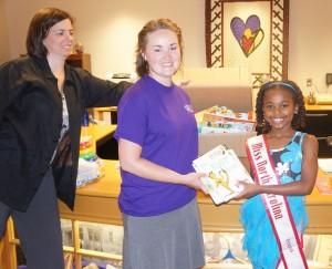 Niyah Donating books