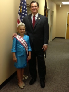 Caitlyn Banks with congressman Austin Scott