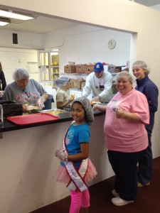 miss_kentucky_princess__aaniyah_burnett__volunteering_at_the_lords_kitchen.jpeg (2)