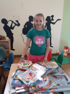 Miss Kentucky Jr PreTeen- Hannah Martin -  Volunteers of America book donations