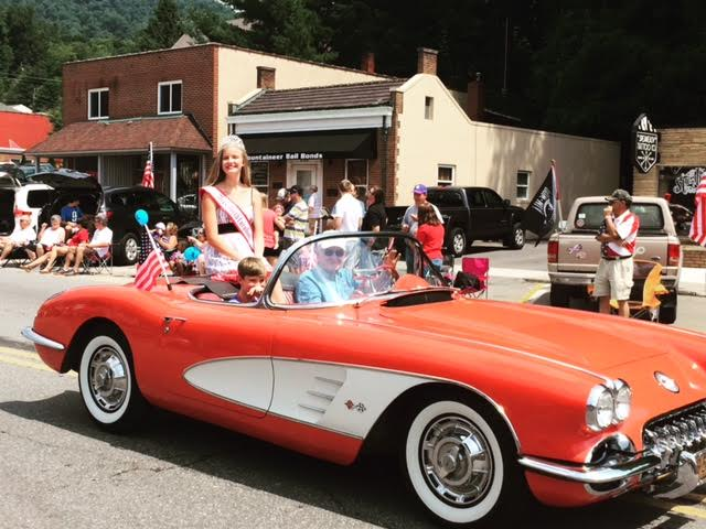 2016 North Carolina Jr. Teen Queen Campbell Lindquist Parade