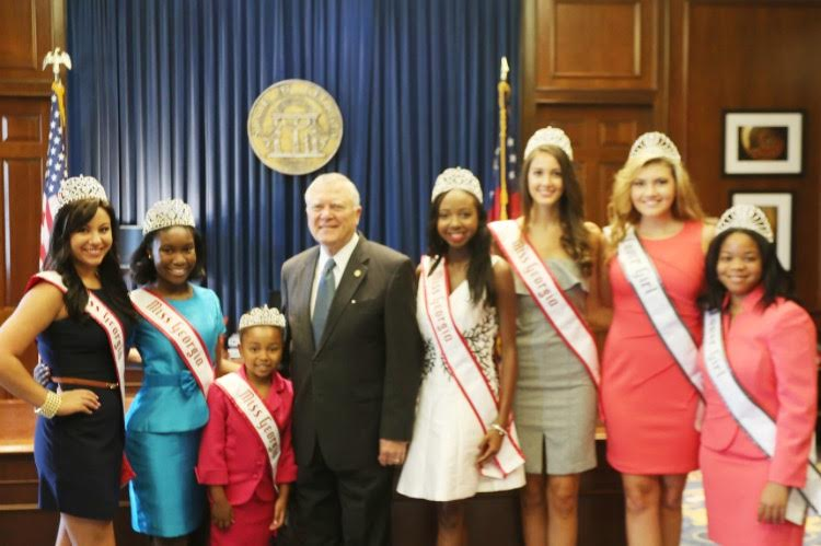Miss Georgia Queens meet Governor Nathan Deal